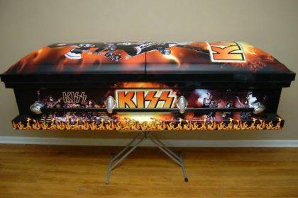 kiss coffin
